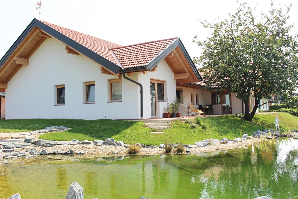 Burgauberg-Einfamilienhaus-Schwarz-Bau